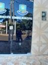 Vândalo (s) arrobaram a porta da Câmara Municipal